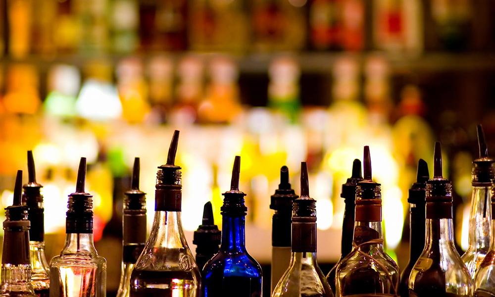 Bicchieri da cocktail, arredamento e la ricetta del mio Black Mojito