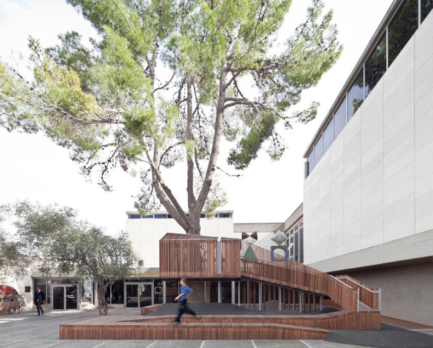 La casa sull'albero nel cortile del Museo di Israele a Gerusalemme
