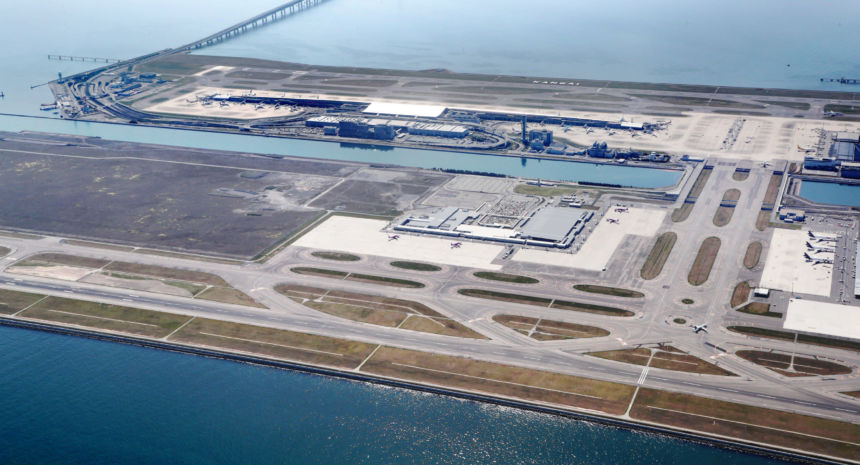 aeroporto in mezzo al mare