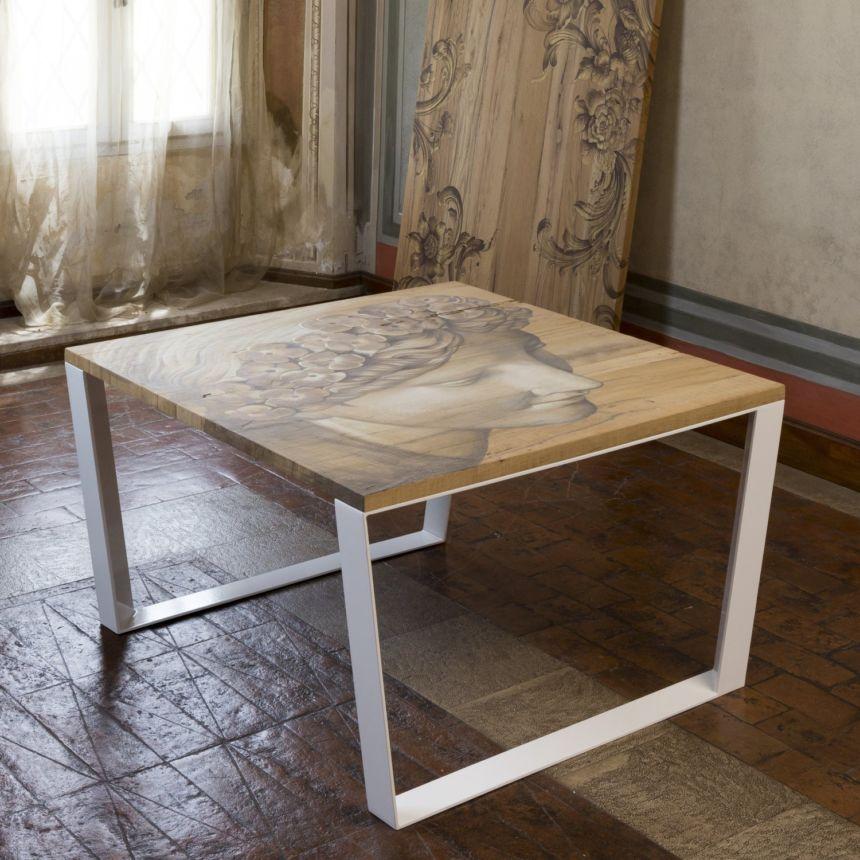 Affreschi su tavoli in legno, tra antico e moderno lo stile unico di Mariani